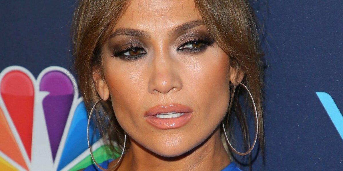 Jennifer López presume su derriére en un atrevido outfit que dejó poco a la imaginación