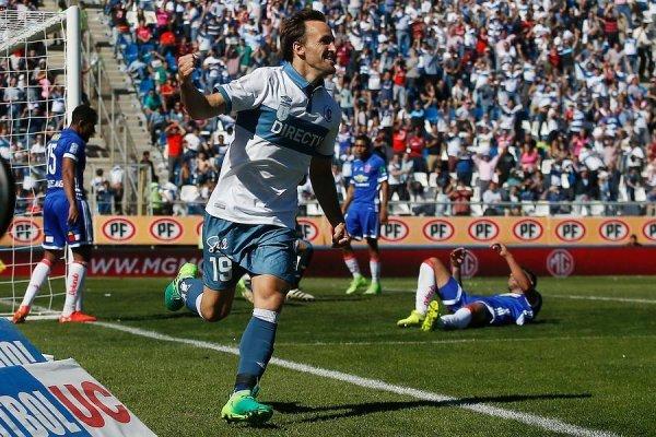 José Pedro Fuenzalida, celebrando su gol en el último Clásico Universitario. Triunfo cruzado por 3-1 / Foto: Photosport
