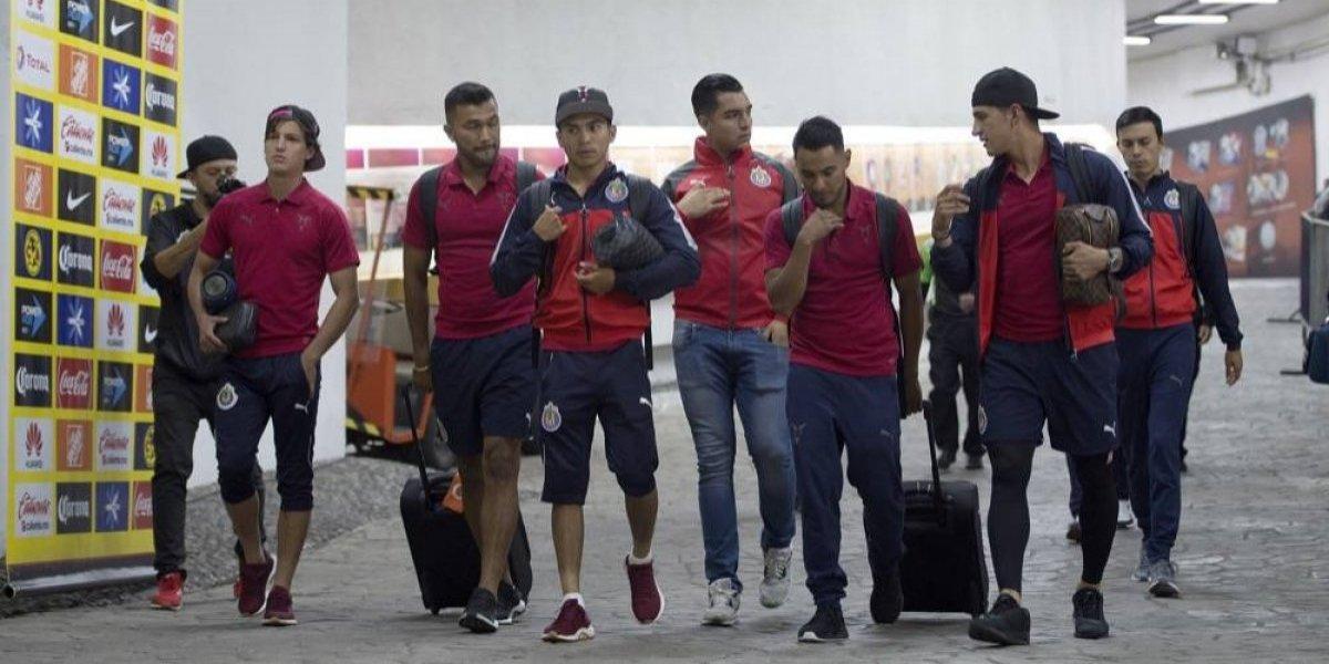 Chivas convocó a Alan Pulido para concentrarse con el equipo