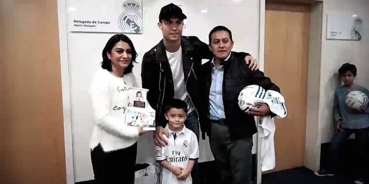 Cristiano Ronaldo recibe a padres de niño víctima en el Rebsamen