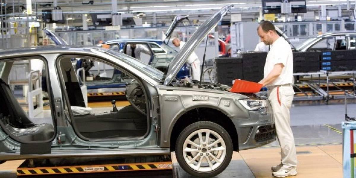 Industria automotriz pone freno a Trump