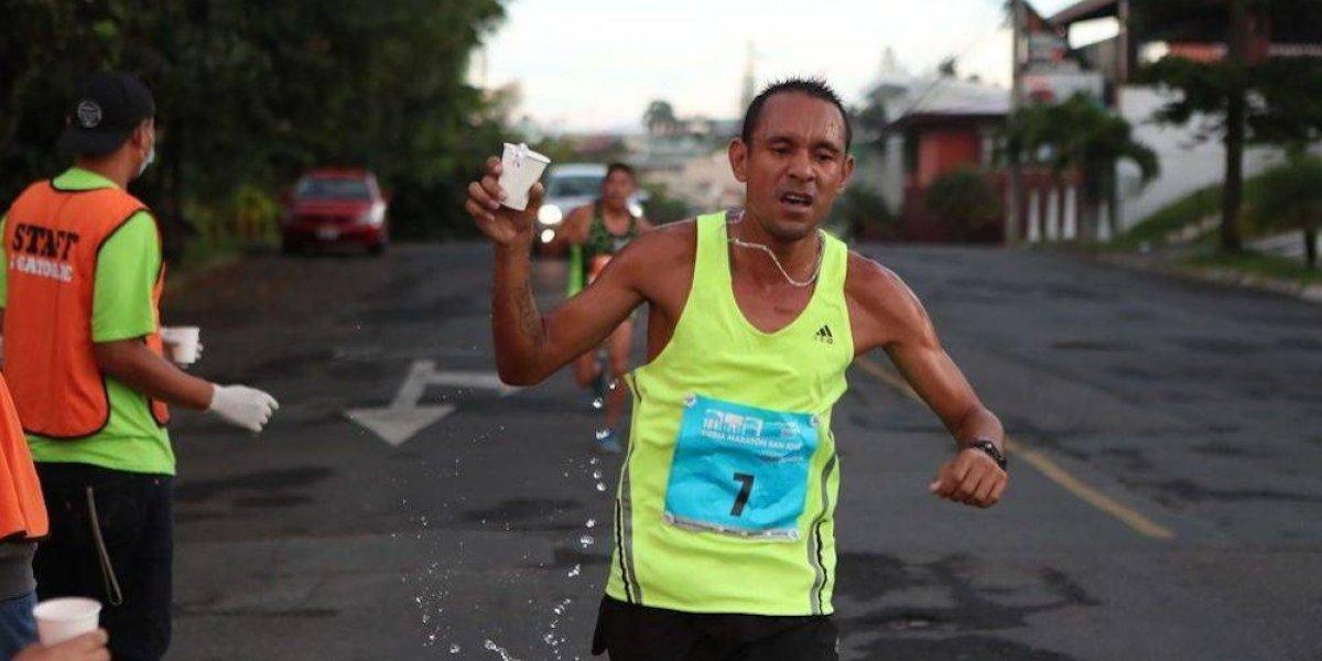 Corredor muere atropellado mientras competía en medio maratón de Costa Rica