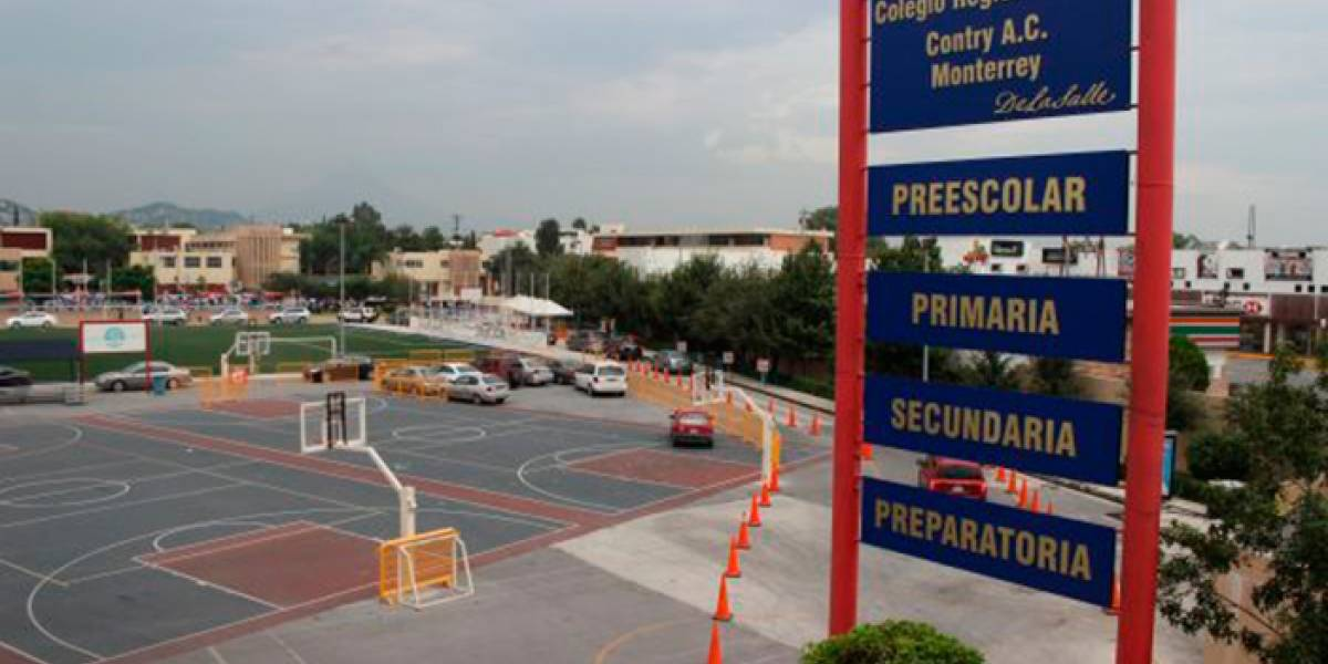 Suspenden a alumna por llevar pistola a secundaria en Monterrey