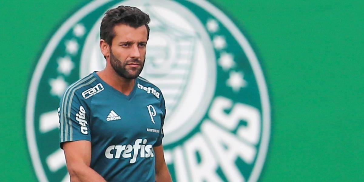 Valentim fecha treino do Palmeiras e mantém mistério na escalação