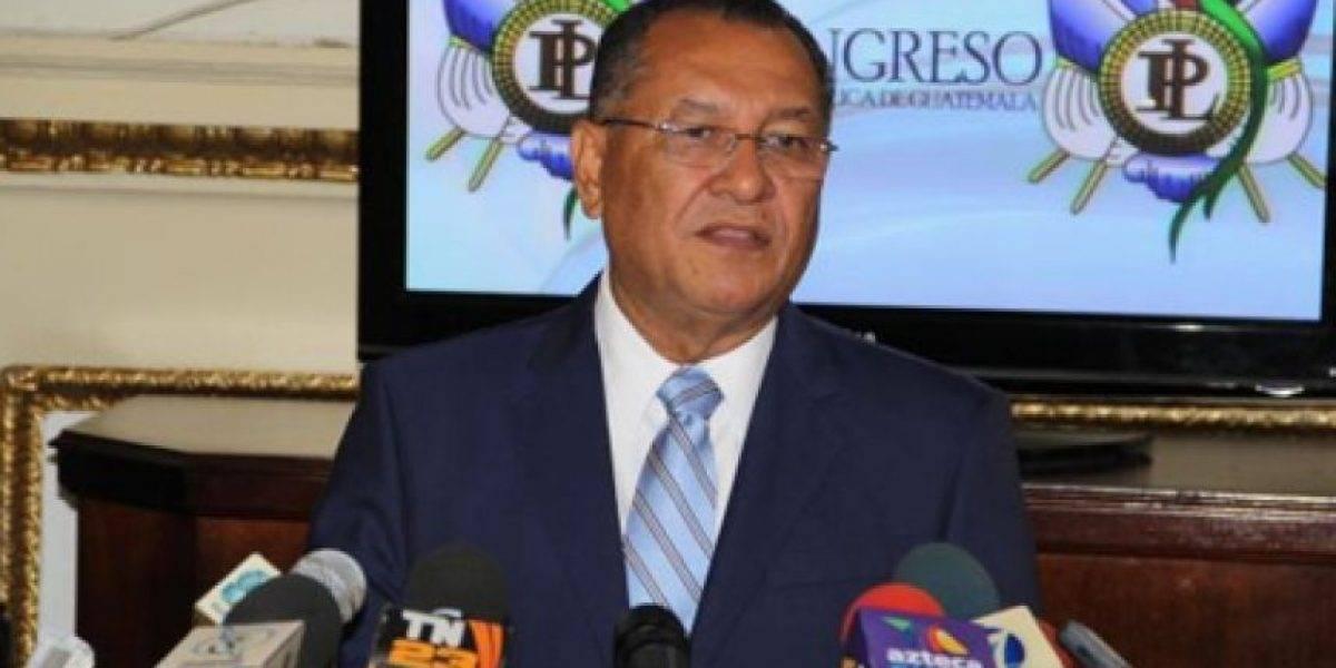Juez dicta arraigo contra diputado Arístides Crespo