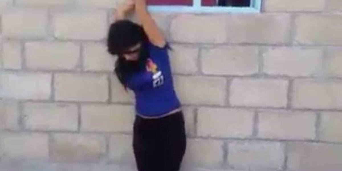 VIDEO: Azotan brutalmente a joven por presuntamente ser infiel
