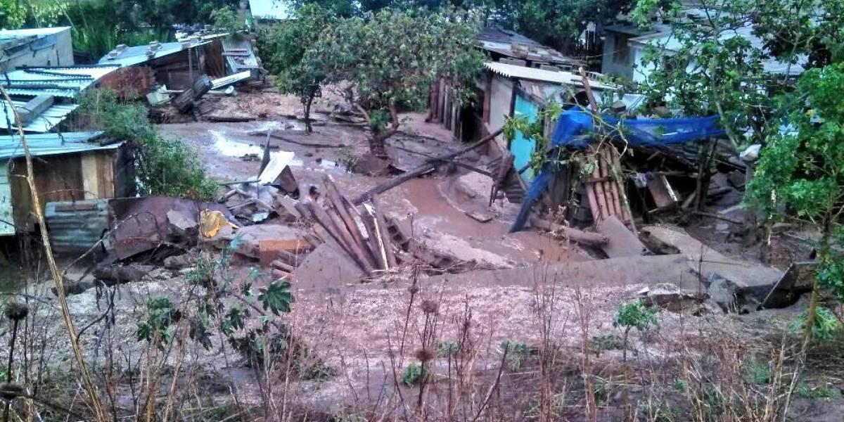 Deslizamiento de tierra se registró en San Antonio de Pichincha