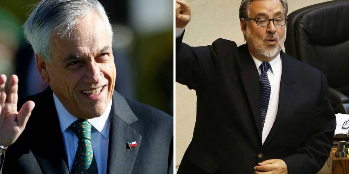 """""""No engañe, no vamos a quitar la gratuidad"""": la """"pelea"""" tuitera entre Piñera y Guillier por recursos para la educación superior"""