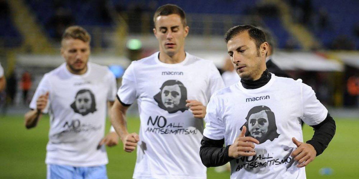 Lazio calienta con camisetas de Ana Frank para combatir el antisemitismo