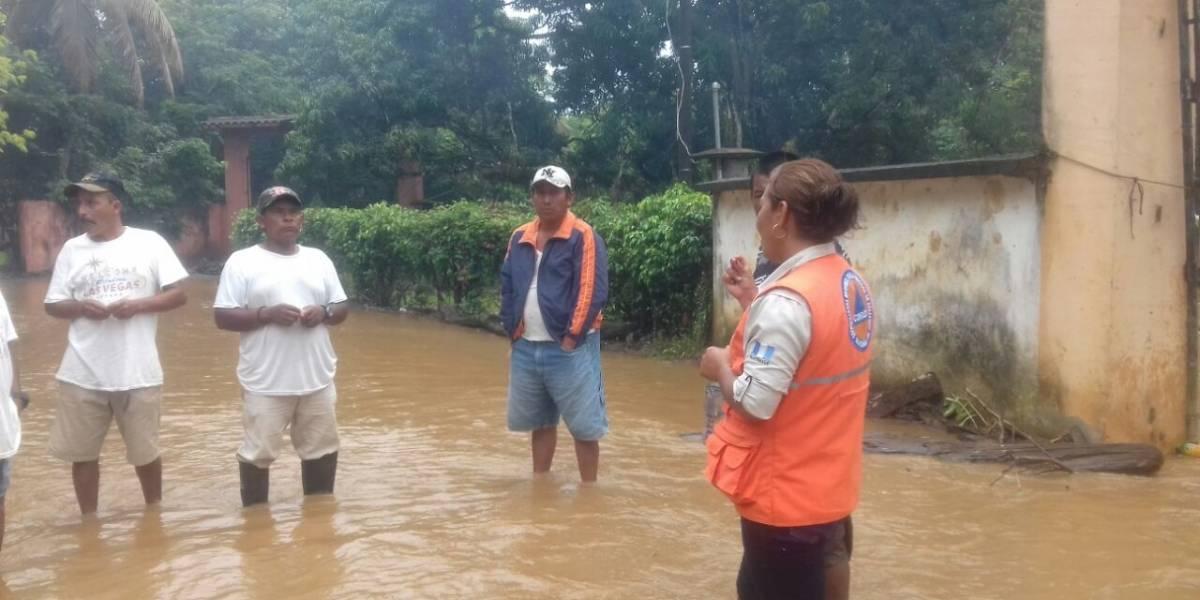 Conred y Comunicaciones realizan acciones de prevención por temporada de lluvias