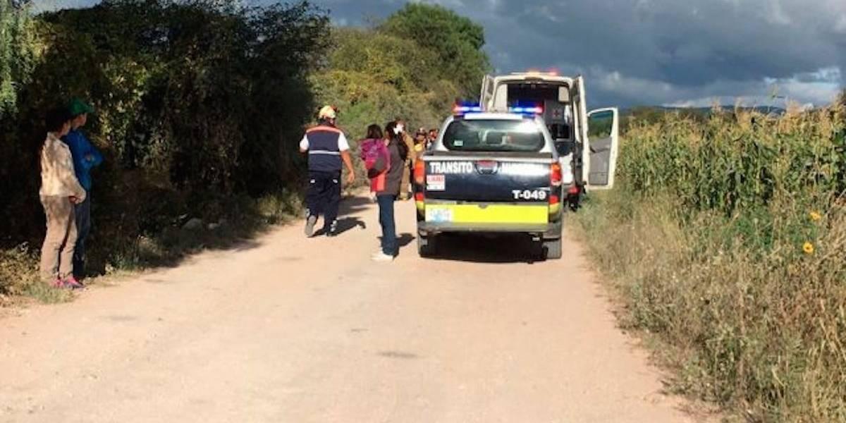 Niño de 11 años muere prensado al chocar la camioneta de su papá