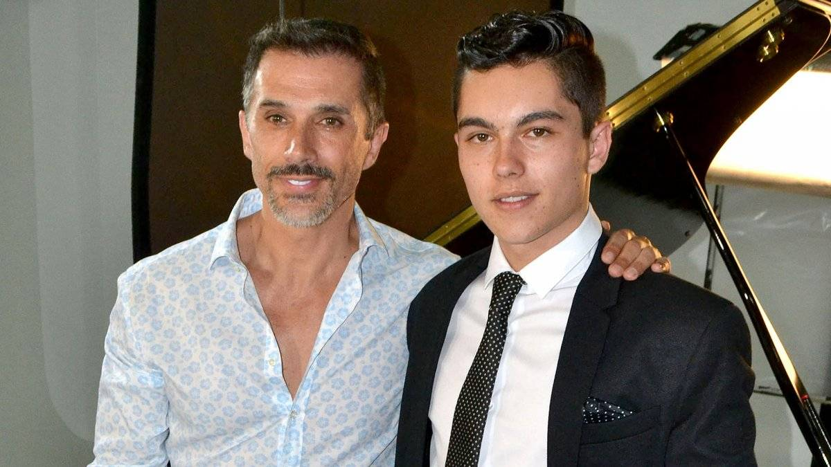 Sergio Mayer y su hijo