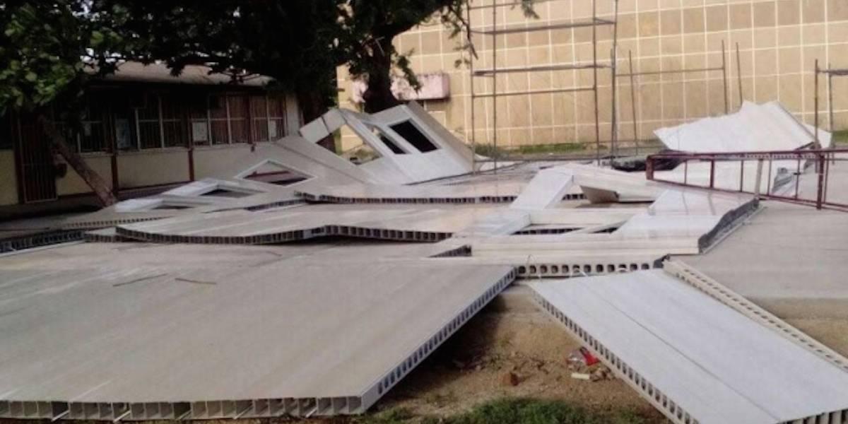 Viento derriba aulas provisionales que costaron 426 mil pesos en Oaxaca