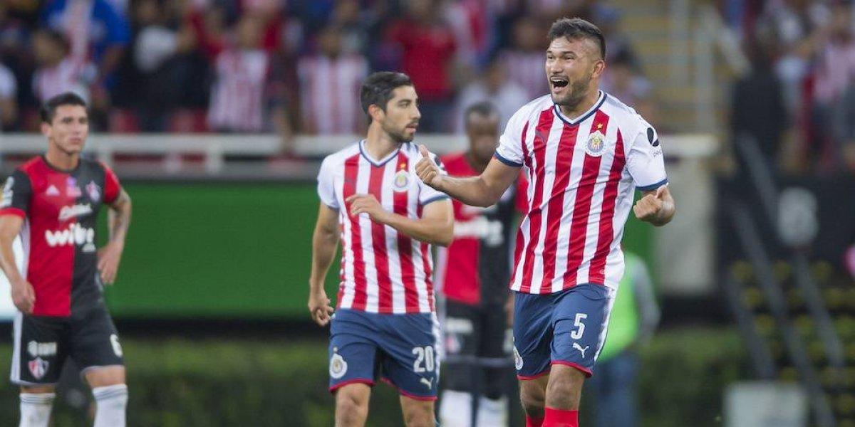 Chivas vence al Atlas y sigue con vida en la Copa MX