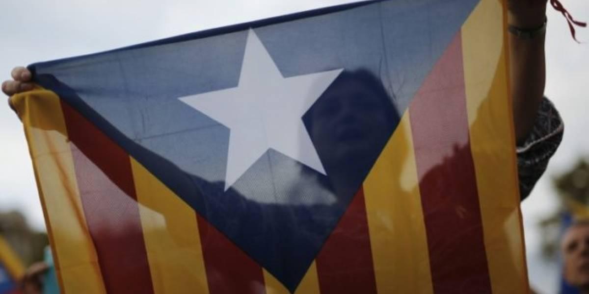 El presidente catalán prepara anuncio solemne en plena crisis independentista y finalmente lo suspende