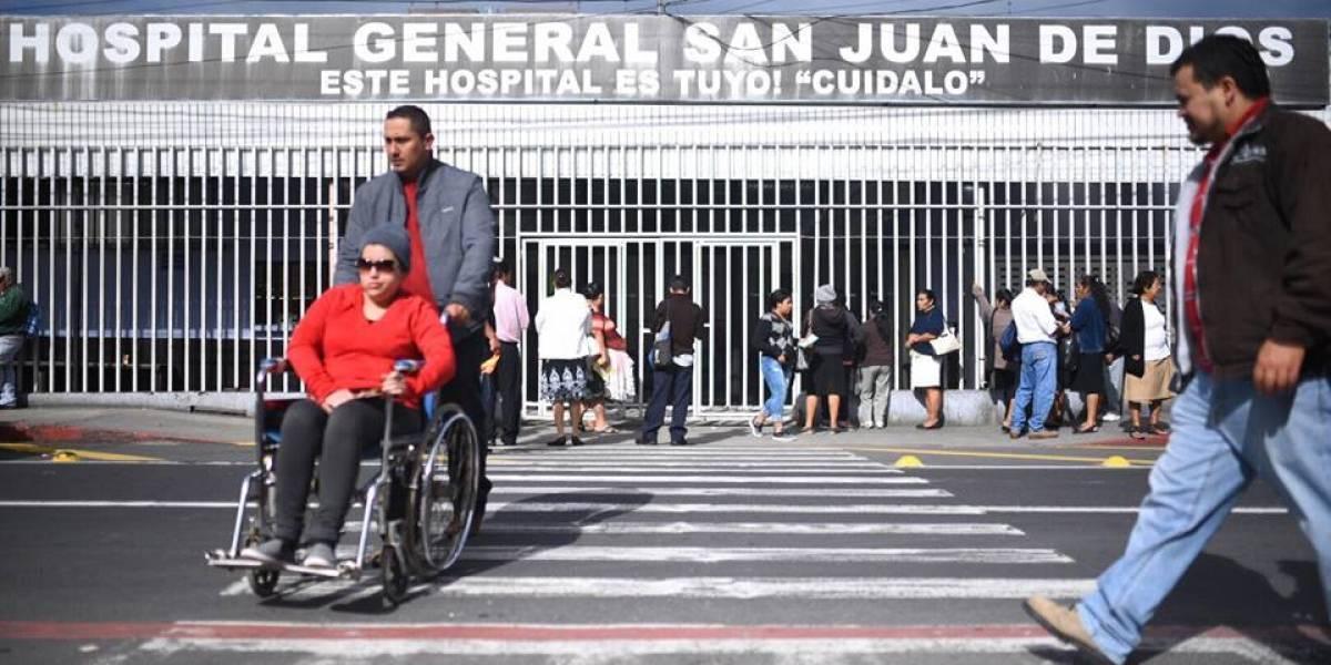 Sancionarán al personal médico que suspenda consultas en hospitales
