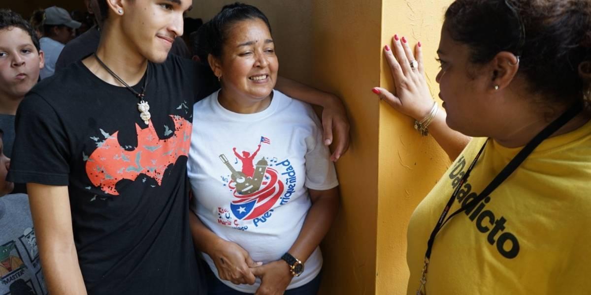 """Sprint visita Comerío y Aguadilla con su proyecto """"Por Ti y Por Puerto Rico"""""""