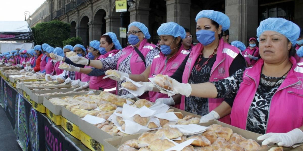 Regalarán 55 mil piezas de pan de muerto en el Zócalo capitalino