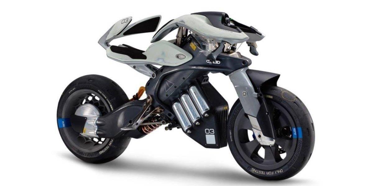 Yamaha Motoroid, la primera moto con inteligencia artificial