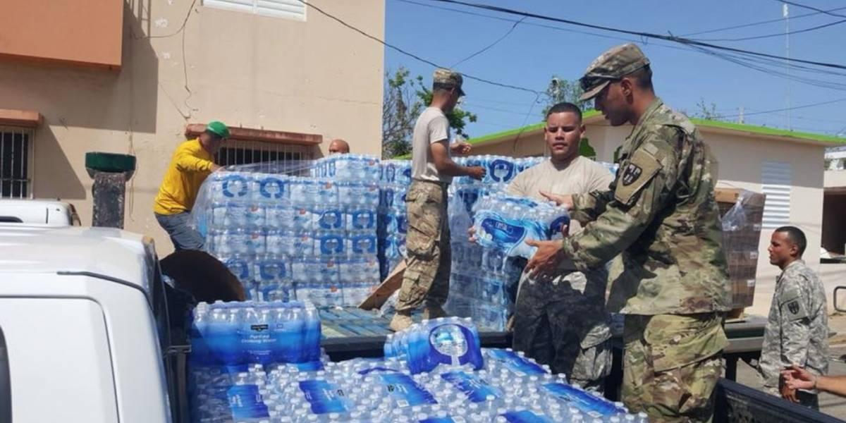 Reparten alimentos en Arecibo