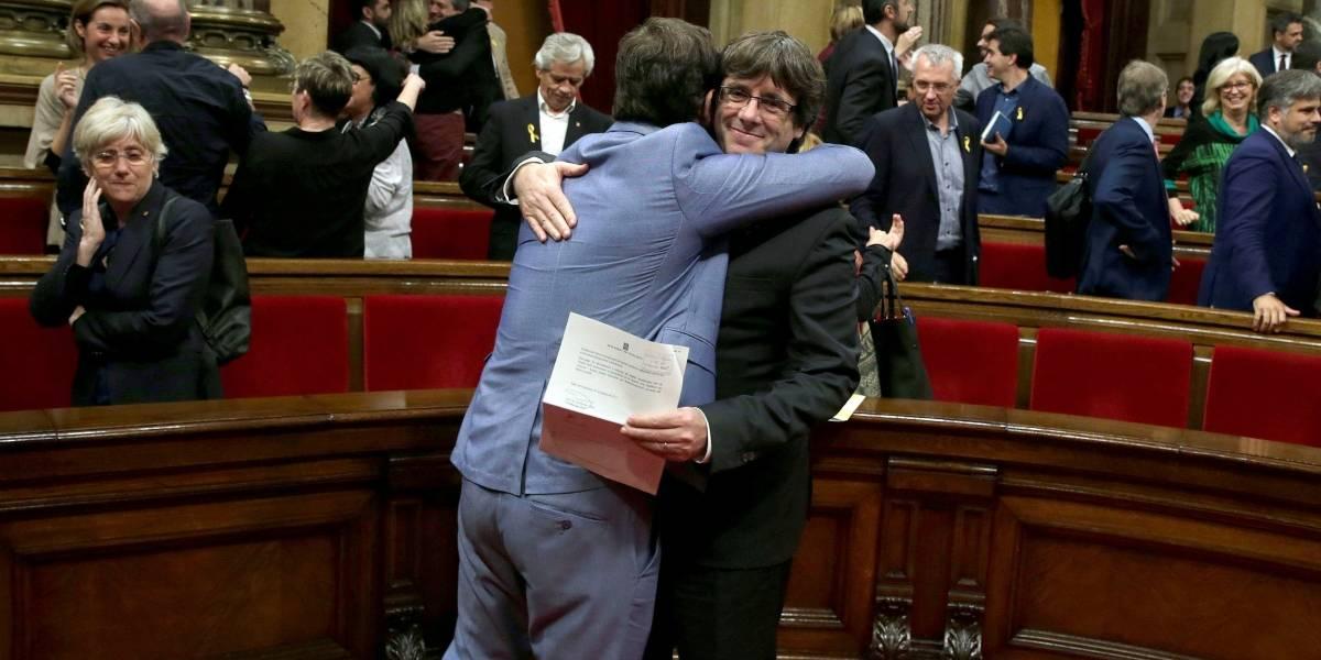 El Parlamento de Cataluña declara la independencia de la región