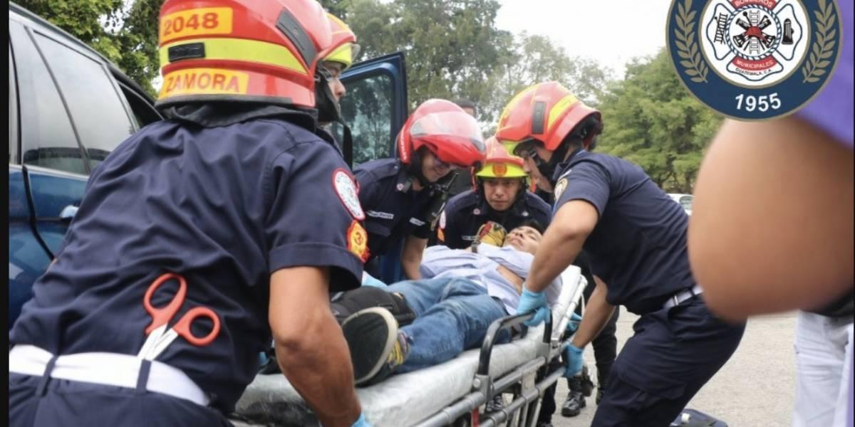 Niño y adulto heridos de bala logran llegar al Hospital Roosevelt en busca de ayuda