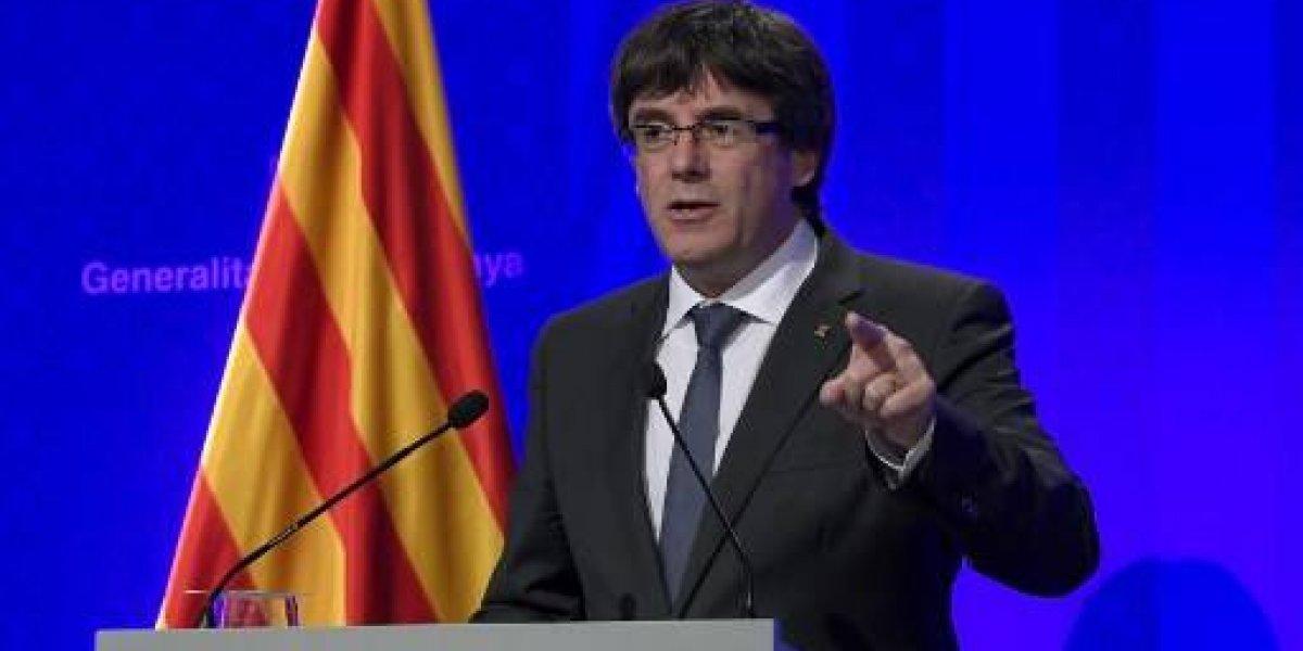 Puidgemont podría arriesgar hasta 30 años de cárcel por declarar la independencia de Cataluña