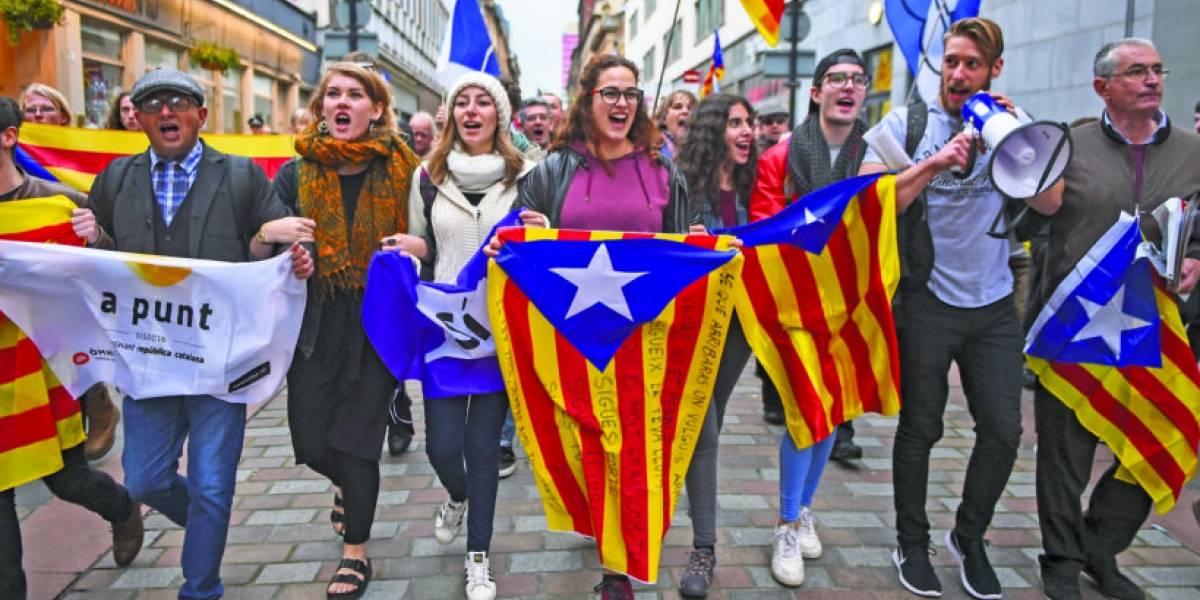Día histórico: por 70 votos a favor Parlamento declara la independencia de Cataluña