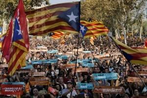 Declaran independiente a Cataluña.