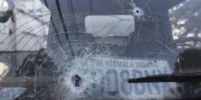 Camión repartidor baleado