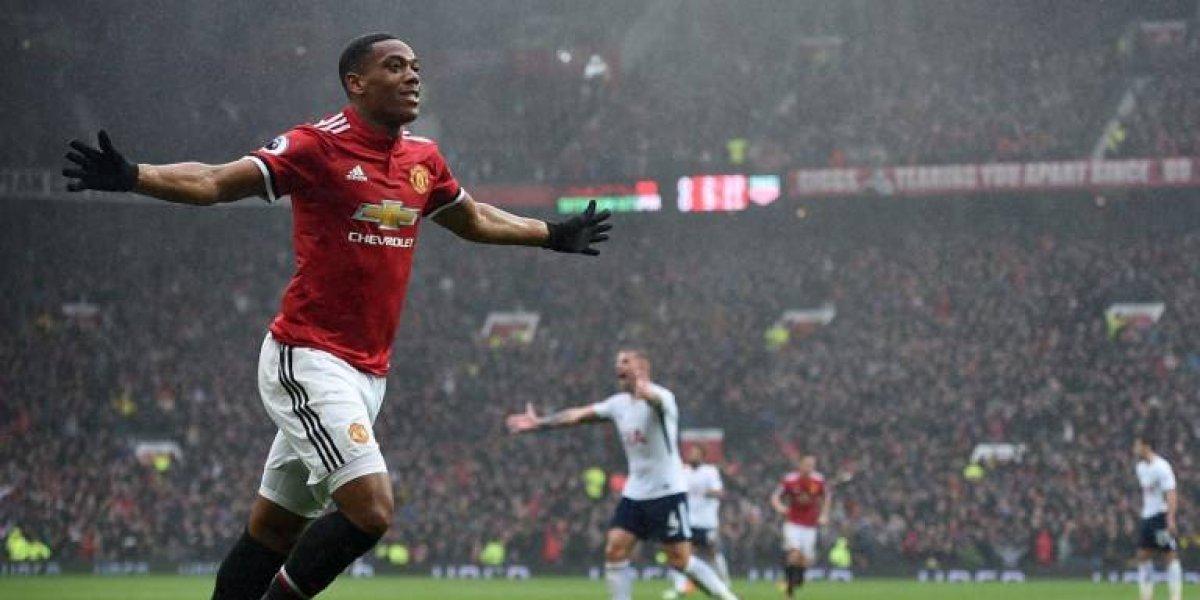 Manchester United gana sobre el final y se mantiene a la caza del City