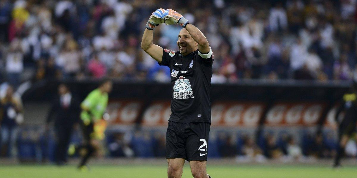 'Conejo' Pérez pone en duda su retiro de las canchas