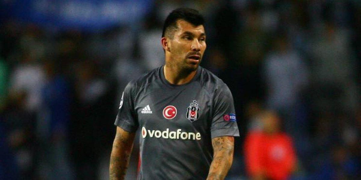 Entrenador del Besiktas enojado con Medel: