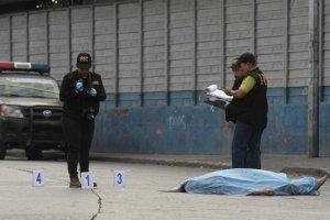 Crimen afuera del mercado Colón