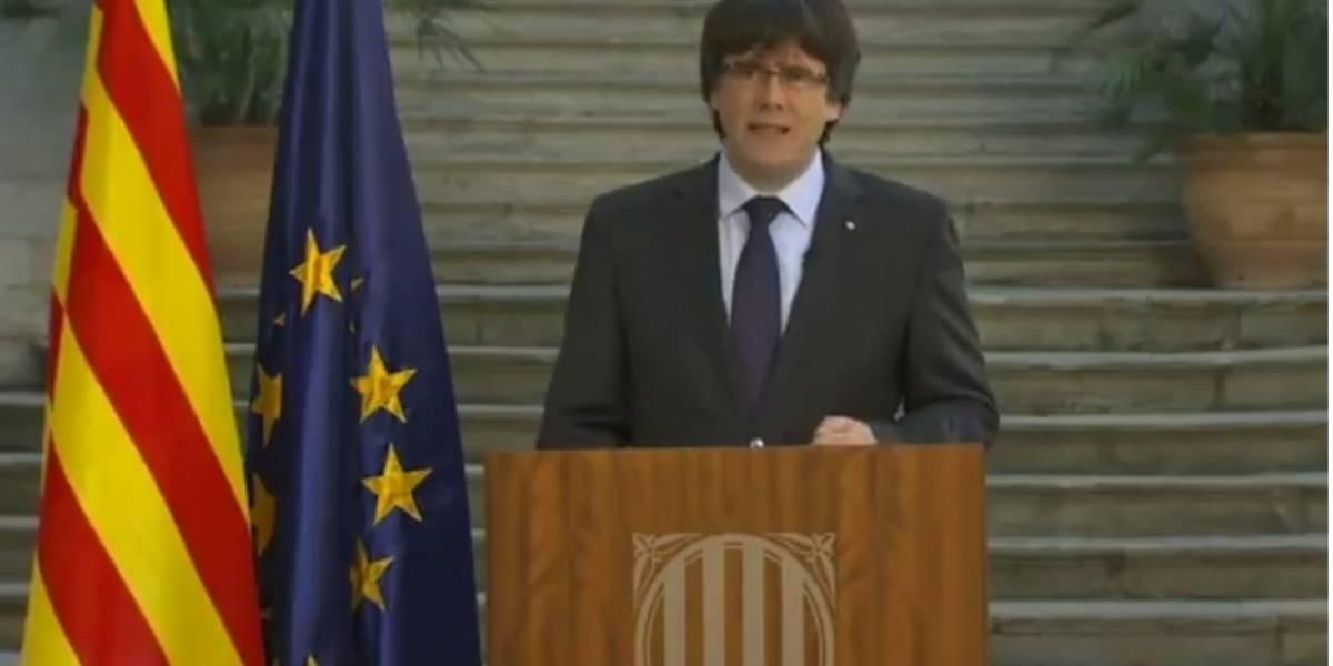 Puigdemont llama a oponerse democráticamente a la intervención del gobierno español en Cataluña