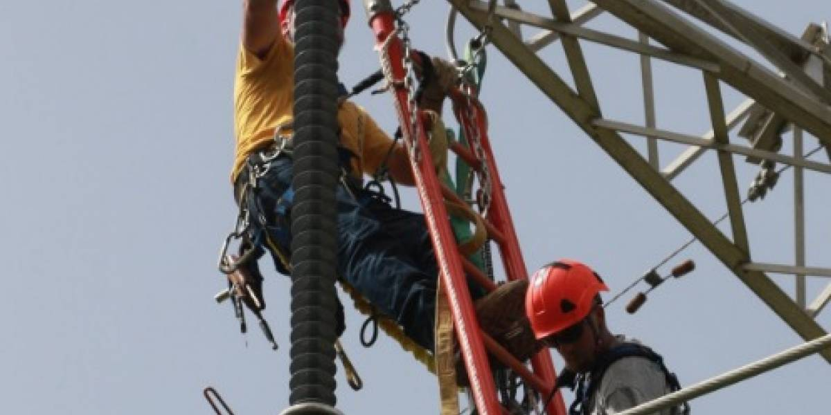 FBI investiga contrato de Whitefish Energy