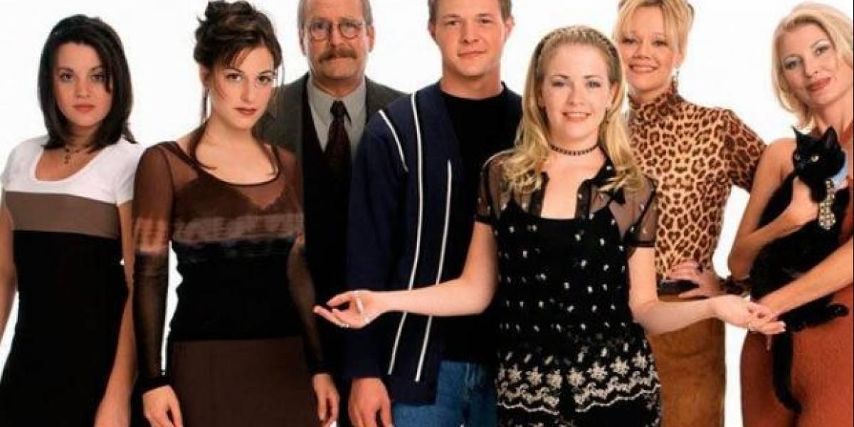 14 años después se reúne el elenco completo de 'Sabrina, la bruja adolescente'