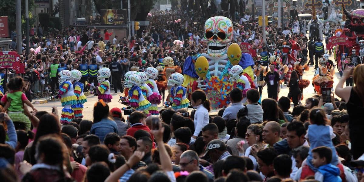 Desfile de Día de Muertos fue todo un éxito: Peña Nieto