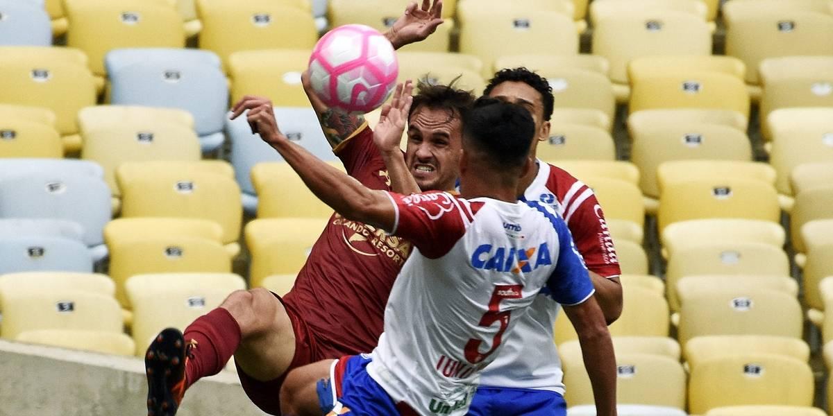 1cd15f98fc Fluminense e Bahia empatam e seguem ameaçados