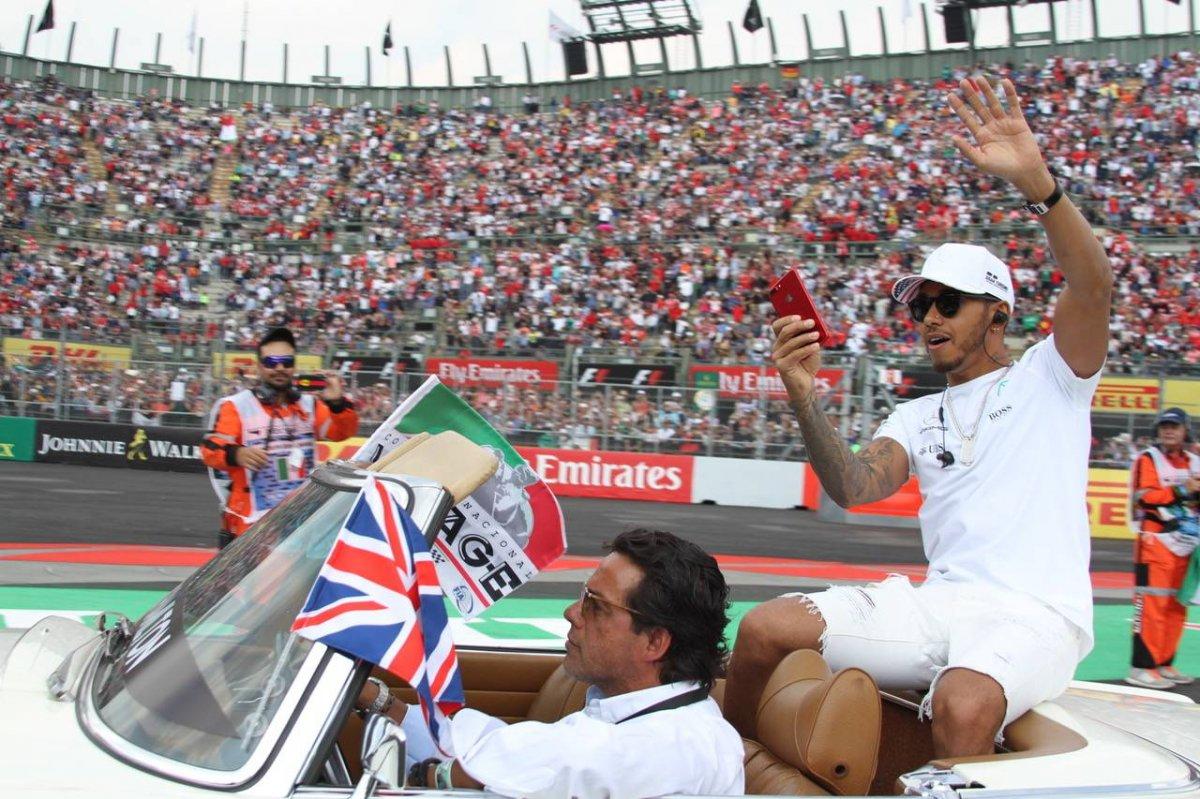 Lewis Hamilton Nicolás Corte