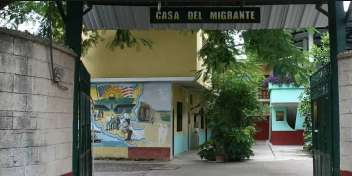 Denuncian a agentes de la PNC de cobrar extorsiones a migrantes