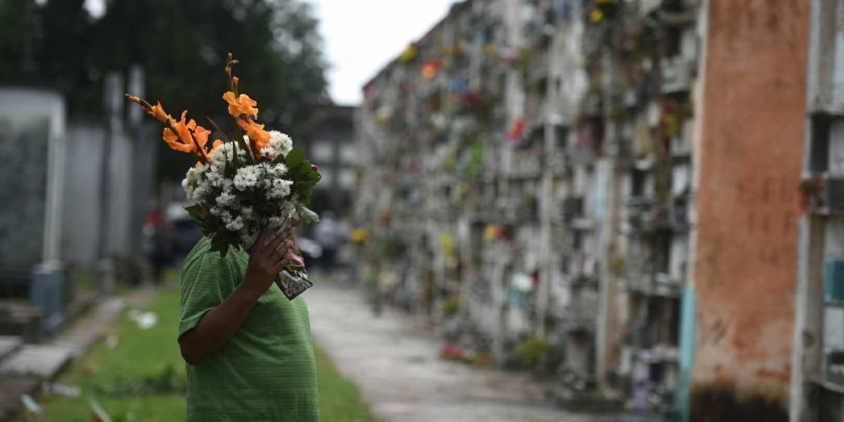 Anuncian cierre vehicular en alrededores del Cementerio General por Día de los Santos