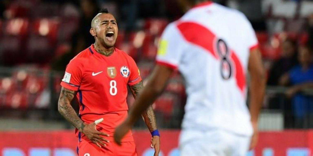 En Perú se siguen riendo de Chile por su fracaso y crean afiche con Arturo Vidal promociando a empresa de TV
