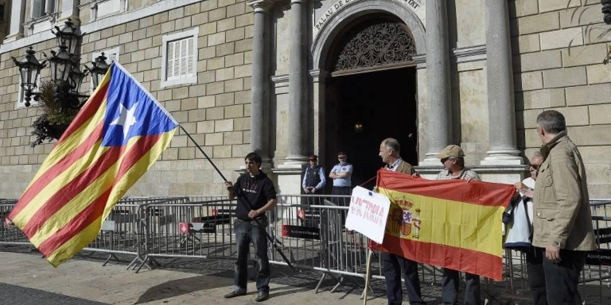 Los independentistas acatan intervención del Gobierno español y aceptan acudir a elecciones