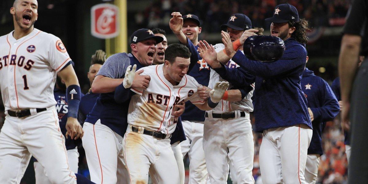 Astros toman control de la Serie Mundial
