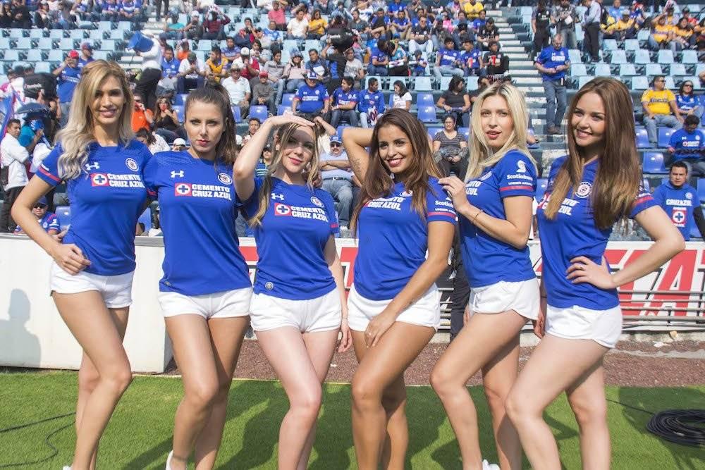 Llegó la hora de la galería de las chicas de la jornada con el fin de la fecha 15 del Apertura 2017 de la Liga MX. Ellas fueron las edecanes y porristas que engalanaron los nueve juegos que se disputaron este fin de semana. En esta jornada destaca la