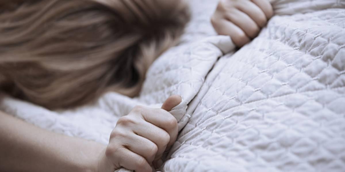 Mujeres toleran más el dolor cuando tienen un orgasmo, según estudio