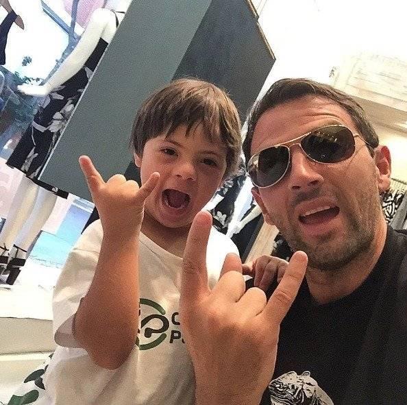 Montillo y su hijo son fanáticos de la U / Instagram