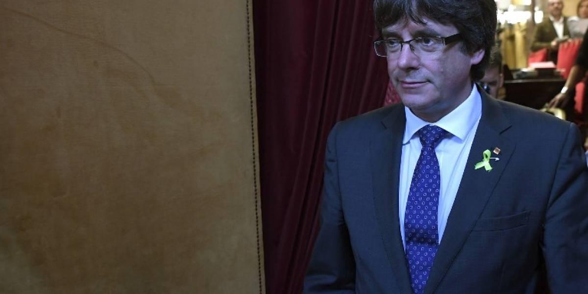 Denunciado por rebelión, el cesado presidente catalán viaja a Bruselas