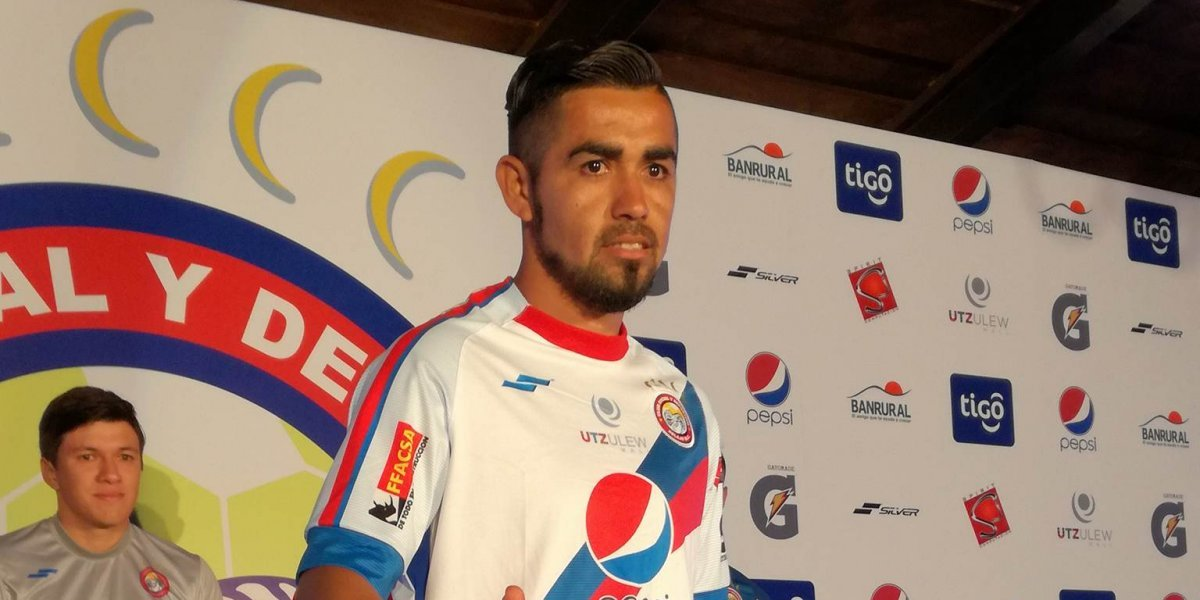 El goleador mexicano que anhela probar el fiambre guatemalteco